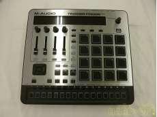 MIDIコントローラー M-AUDIO