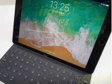iPad Pro 128GB キーボードSET!