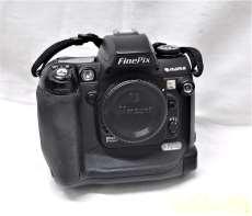 Nikon F-MOUNT対応 デジタル一眼|FUJIFILM