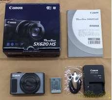 コンパクトデジタルカメラ|CANON