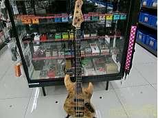 ベースギター・エレキベースその他
