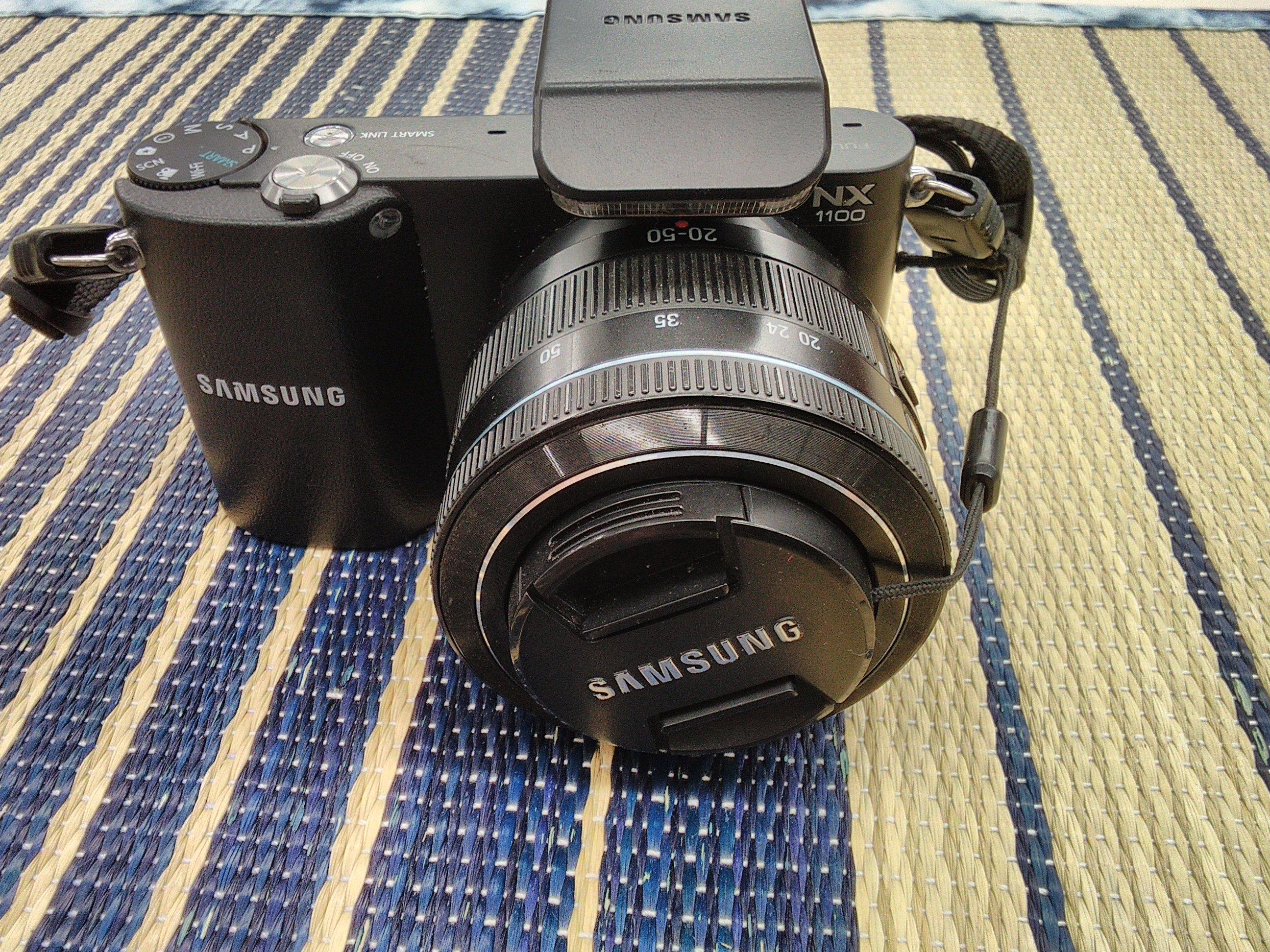 ミラーレス一眼レフカメラ|SAMSUNG