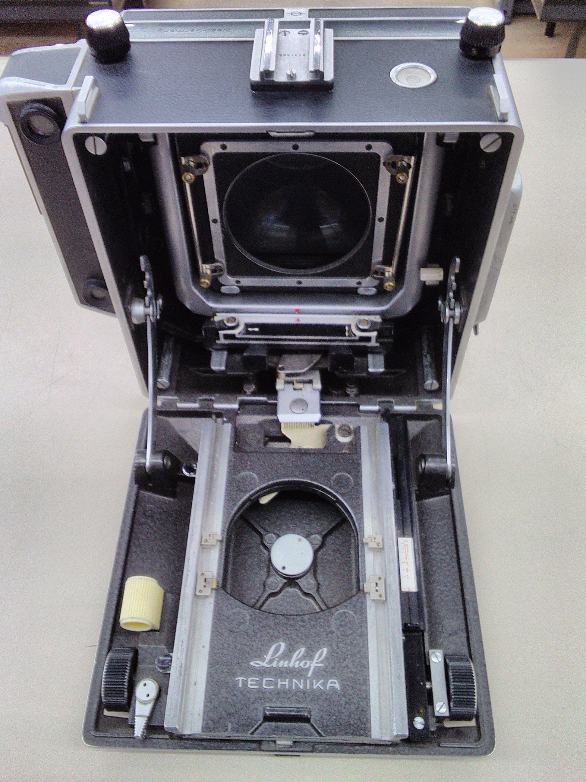 大判カメラ|LINHOF