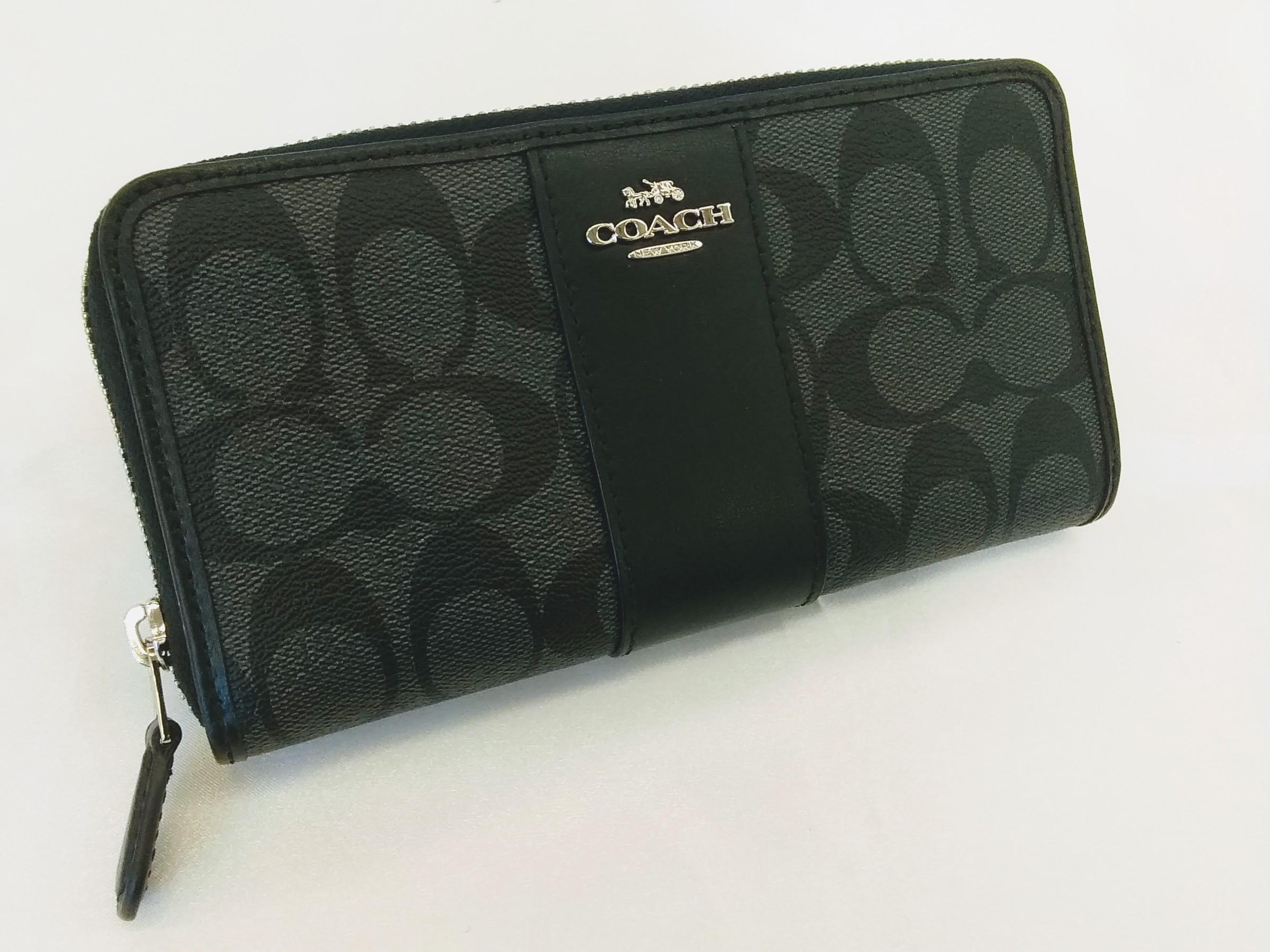 ラウンドジップ財布|COACH【コーチ】【ブラック】【美品】