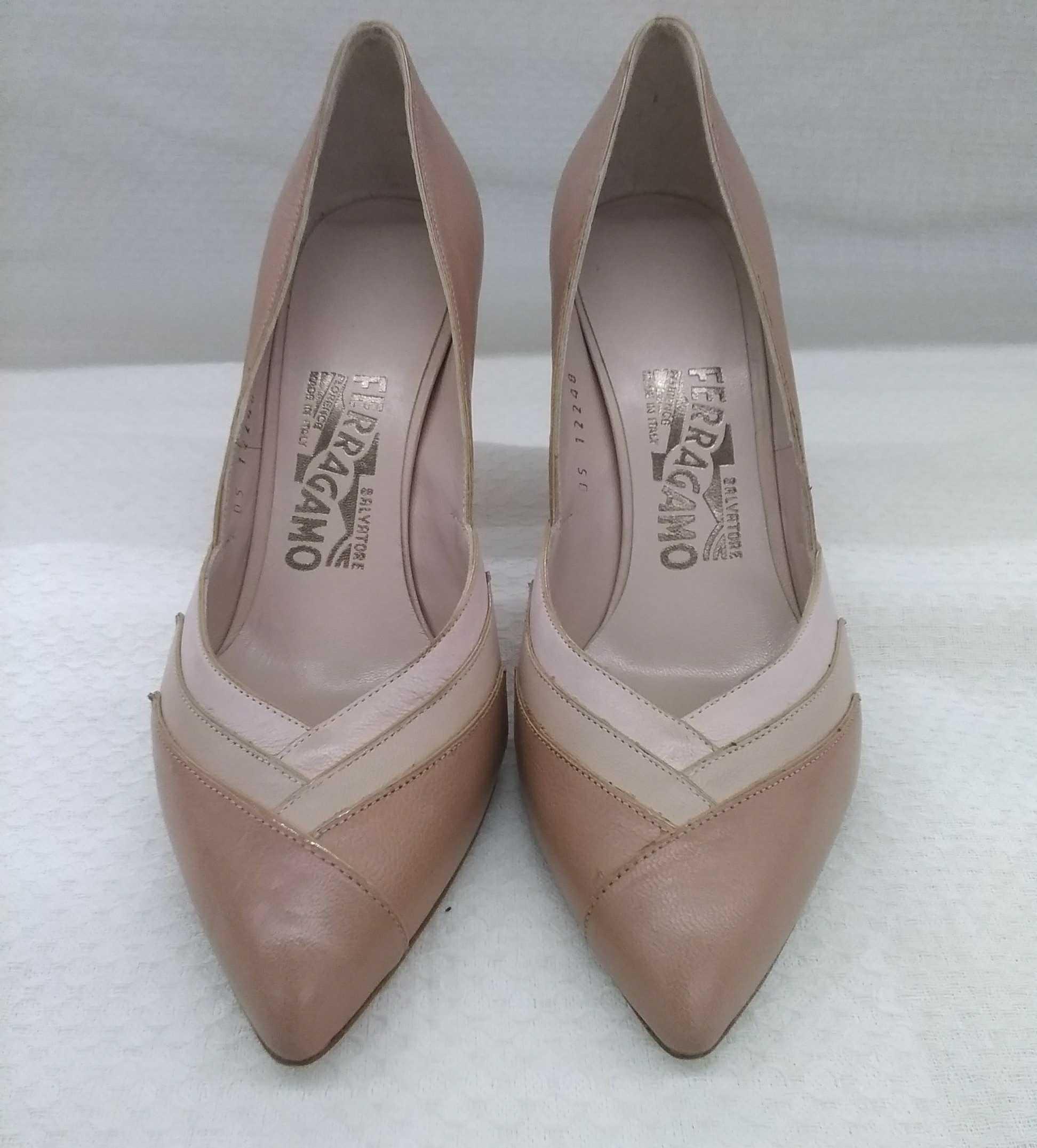 靴|FERRAGAMO