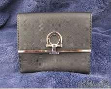二つ折り財布|salvatore ferragamo