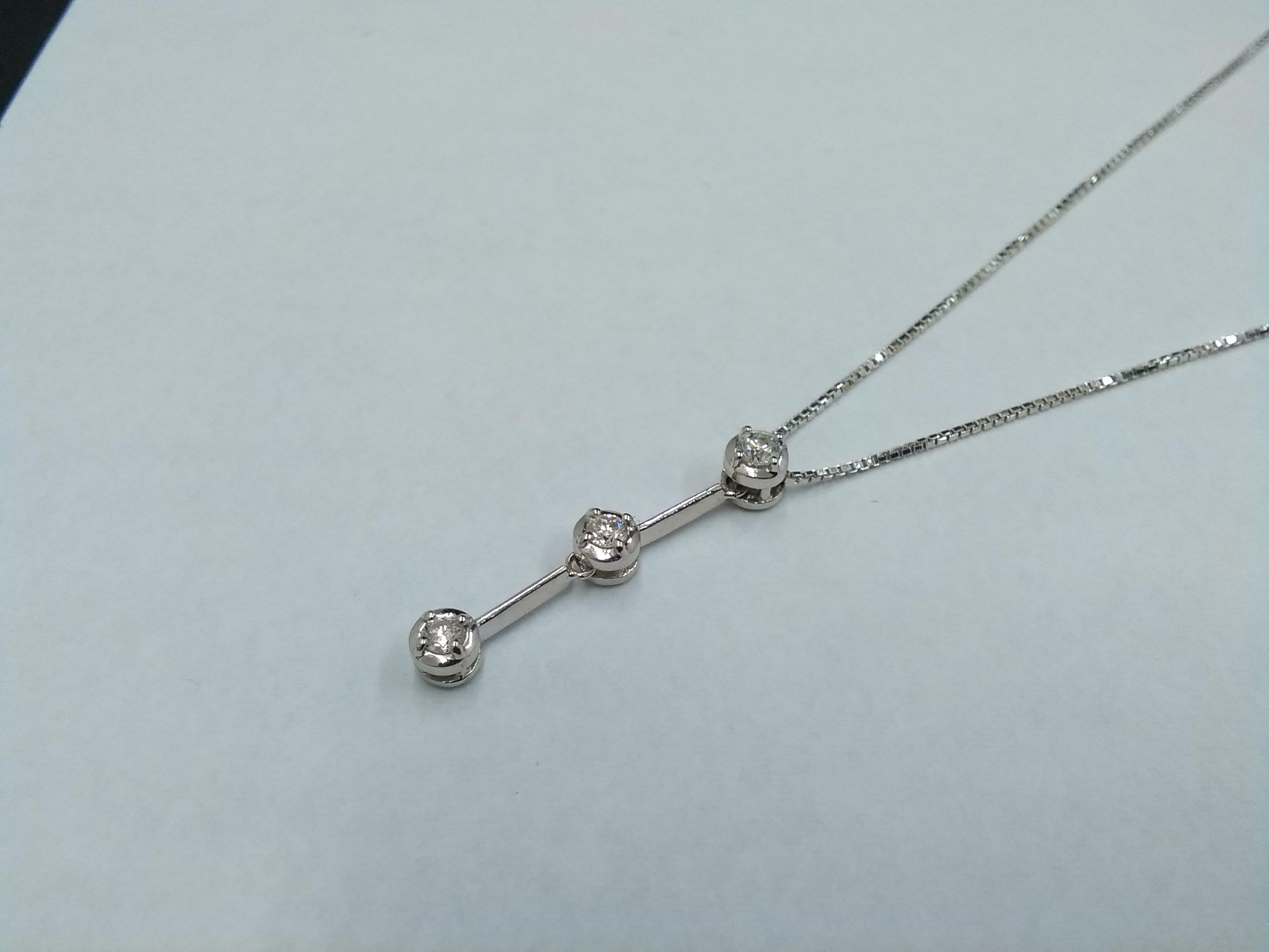 K18WG ネックレス 宝石付きネックレス
