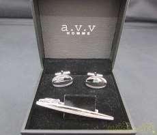タイピン&カフス A.V.V.