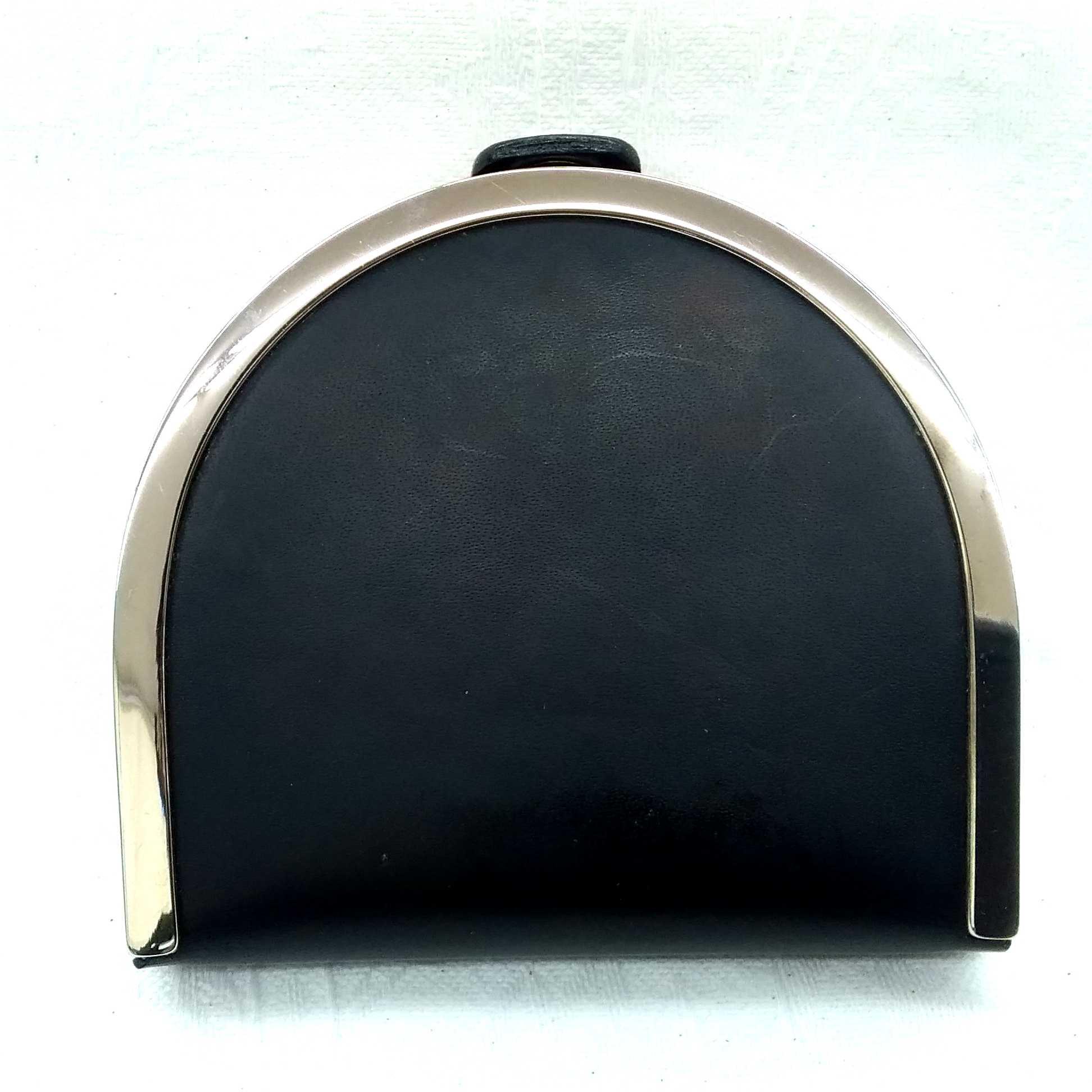馬蹄型小銭入れ|SALVATORE FERRAGAMO