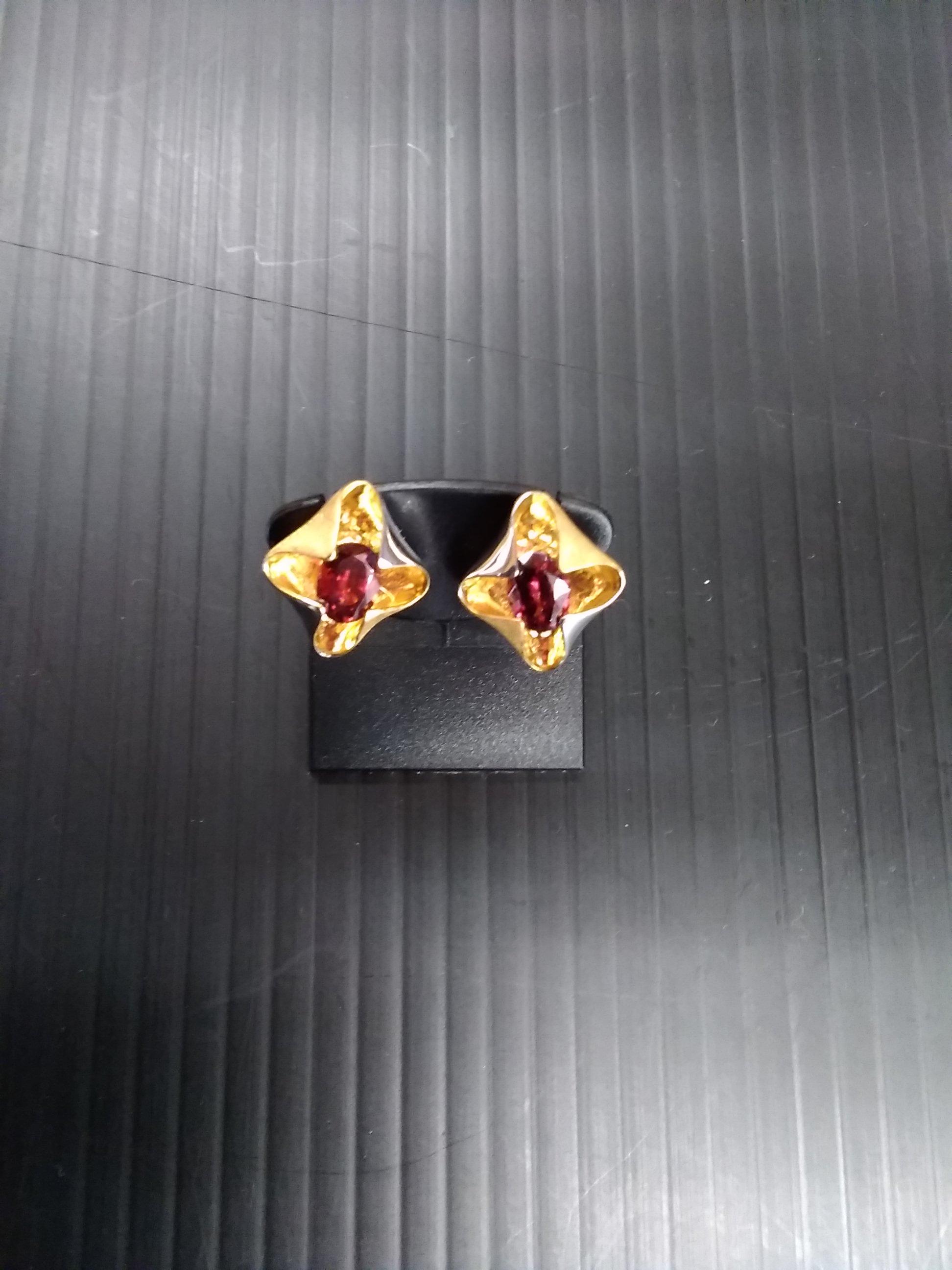 イヤリング|宝石付きイヤリング
