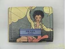 コミックプリント 二つ折り財布|PRADA