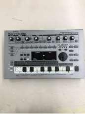 シーケンサー MC-303|ROLAND