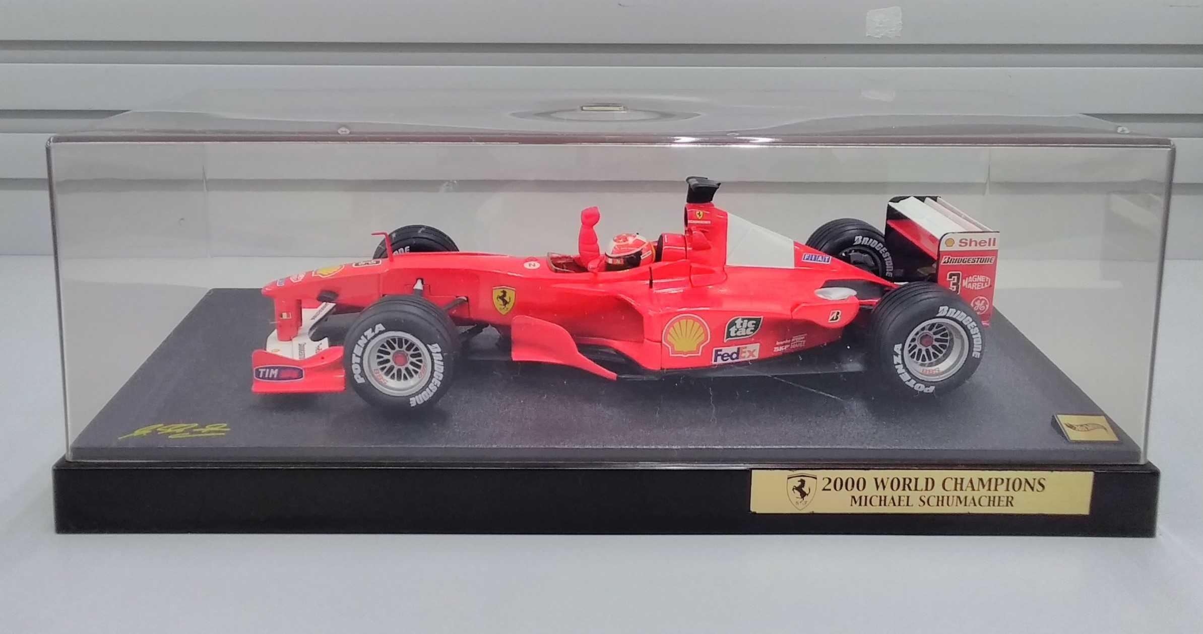 1/18フェラーリ2000WORLD CHAMPIONS ミ HOTWEELS