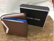 二つ折り財布 MICHAEL KORS