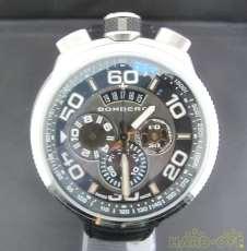 クォーツ・アナログ腕時計 BOMBERG