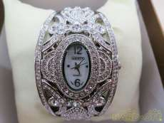 クォーツ・アナログ腕時計|abiste