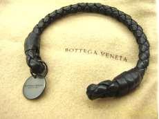 レザーバングル/ブラック|BOTTEGA VENETA