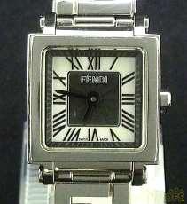 クアドロミニ シェル 腕時計 クオーツ|FENDI