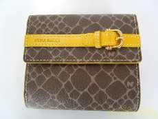 二つ折り財布 NINA RICCI