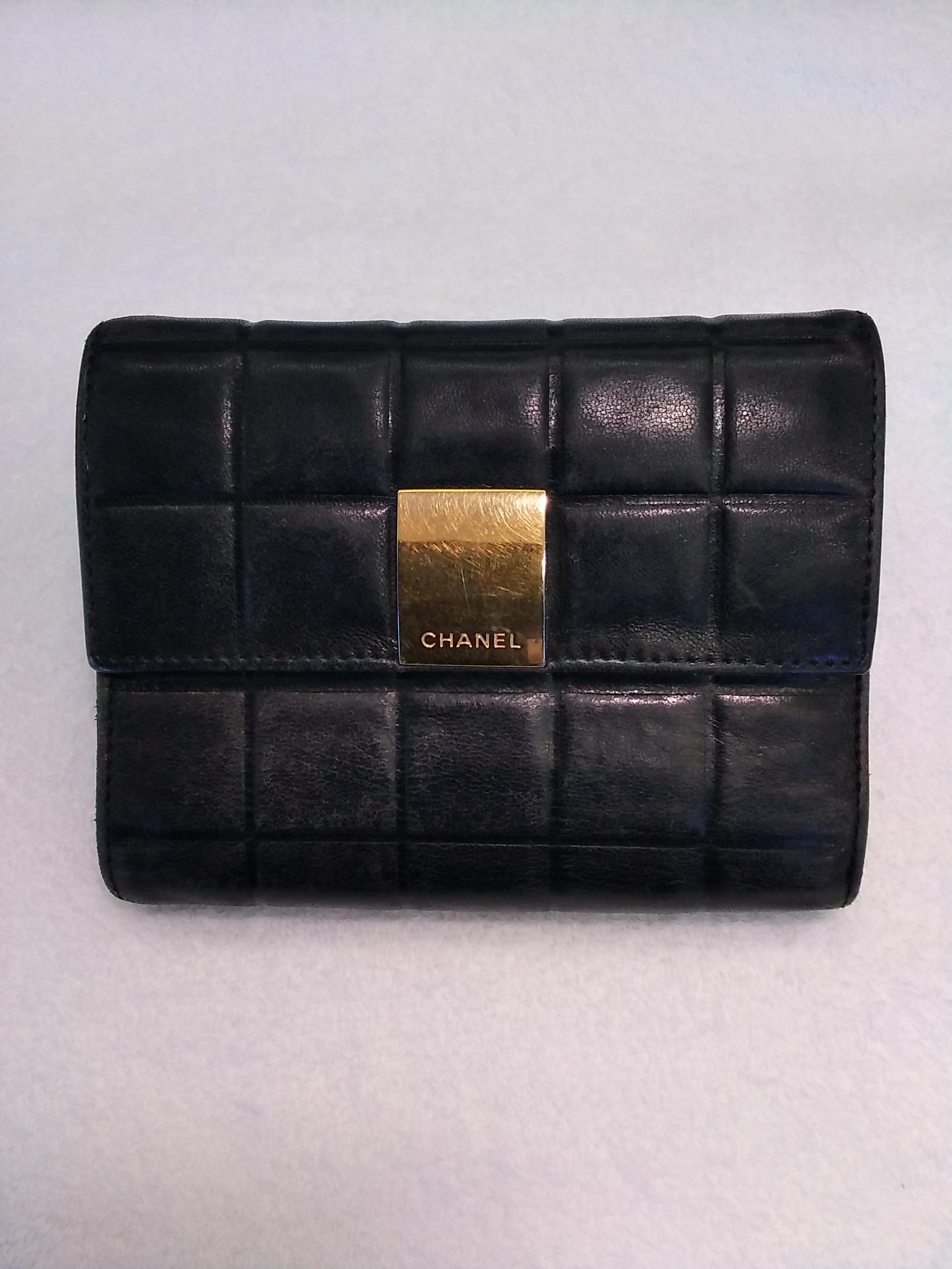 三つ折り財布 CHANEL