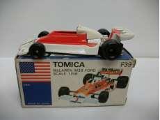 トミカ マクラーレンM26フォード