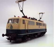 HOゲージ ROCO BR111 電気機関車|ロコモデル