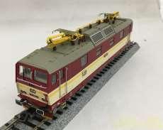 チェコ鉄道371型電気機関車|PIKO