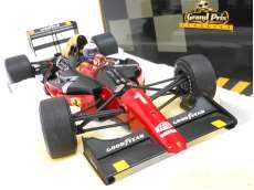 フェラーリ 641/2 MALBORO #1(レッド) EXOTO