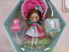 お人形|イー・レヴォリューション